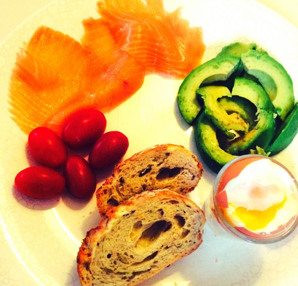 zalm-avocado-ei-gezond_Fotor